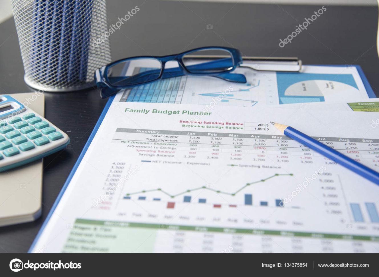 Financial Savings Plan Spreadsheet Within Family Budget Planner. Saving And Spending Money Plan. Spreadsheet